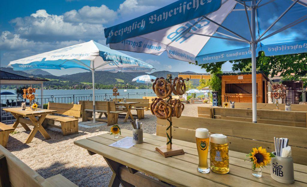 Unser Biergarten mit schönstem Seeblick